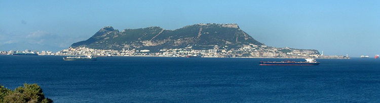 Rock_of_Gibraltar_seen_from_Punta_Carnero.jpg